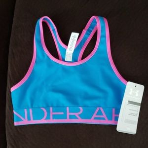 Under Armour Girl's size Medium Sports Bra NWT